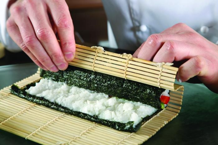 sushi-reis-kochen-ausrollen