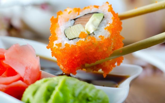 sushi-reis-kochen-kaviar-wasabi