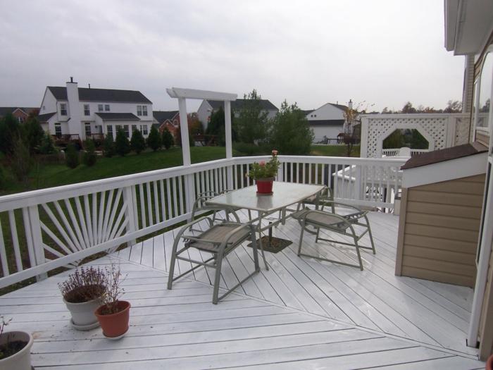 terrassengestaltung schöne außenmöbel pflanzen