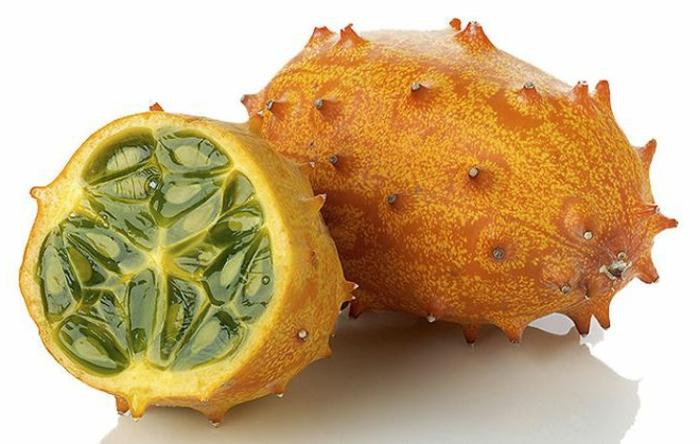 tropische früchte kiwano horngurke hornmelone