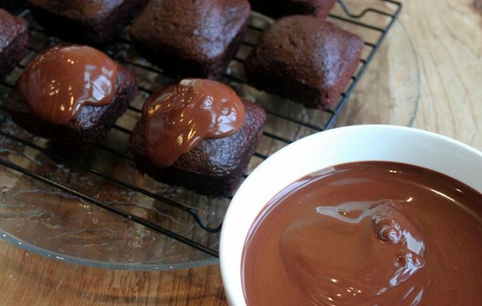 vegane schokolade zubereiten rezept schokoladenguss