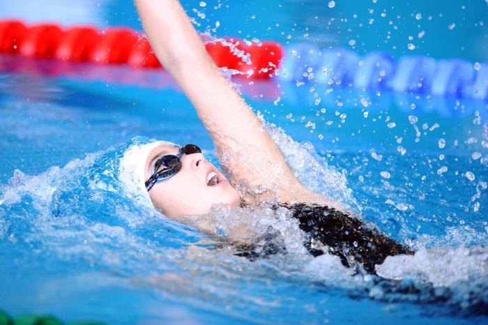 wasser schwimmen gesund wassersports trainieren