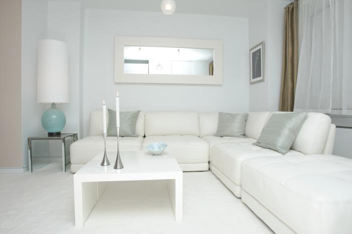 weiße wohnzimmermöbel ecsofa couchtisch dekoartikel
