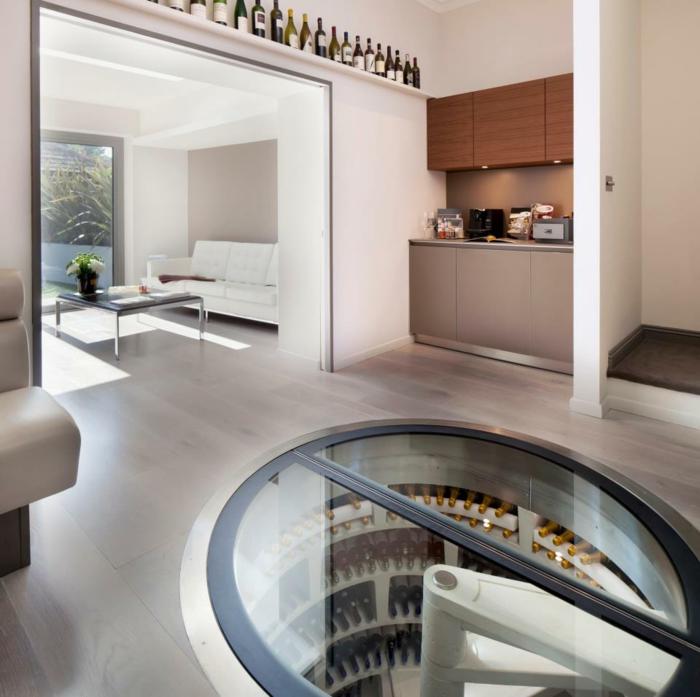 wie sie die weinlagerung clever und modern gestalten k nnen. Black Bedroom Furniture Sets. Home Design Ideas