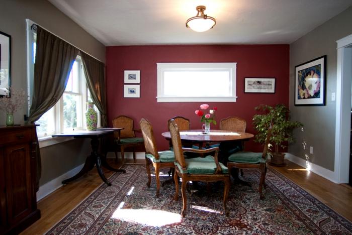 zimmerfarben esszimer gestaleten rote akzentwand farbiger teppich