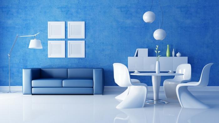 zimmerfarben ideen blaue wandfarbe blaues sofa weiße stühle