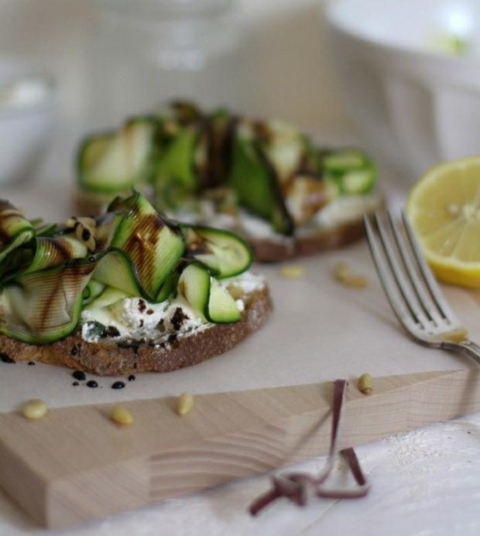 zucchini salat rezepte belegte brötchen mit zucchini