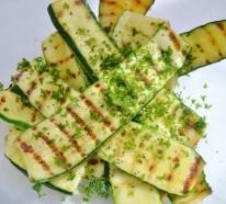 Möchten Sie einen Zucchini Salat zubereiten? 3 leckere Rezepte für Sie