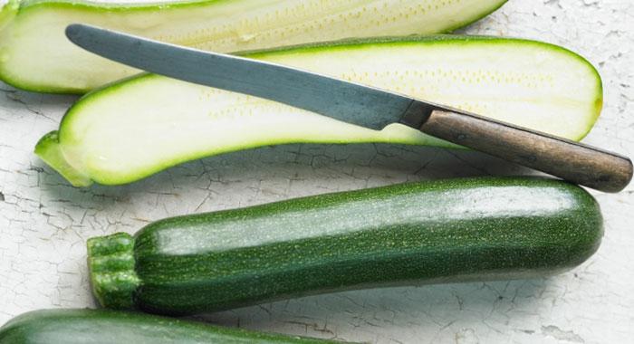 zucchini salat rezepte gesundes essen frisches gemüse