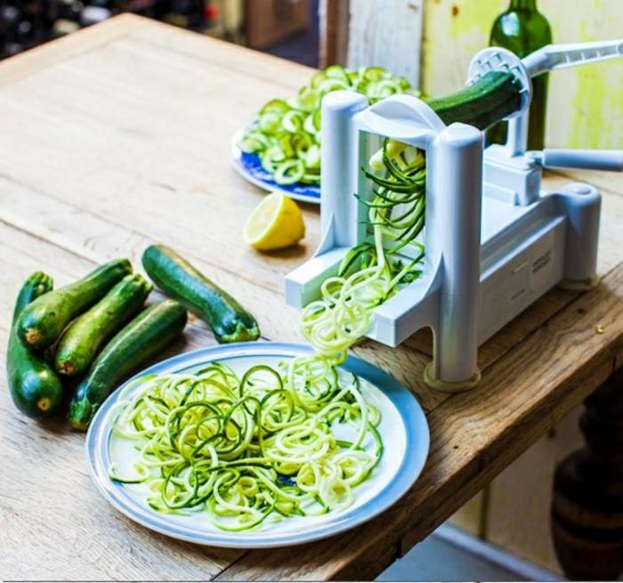 zucchini salat zubereiten rezepte zucchini spaghetti