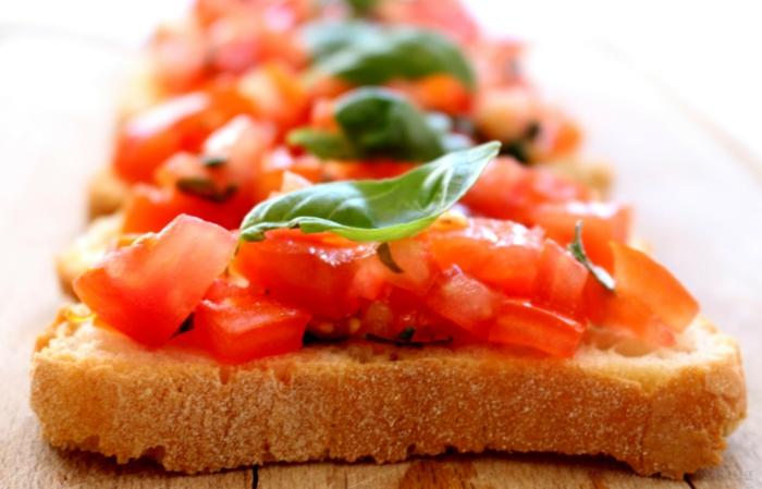 Bruschetta mit Tomaten brot