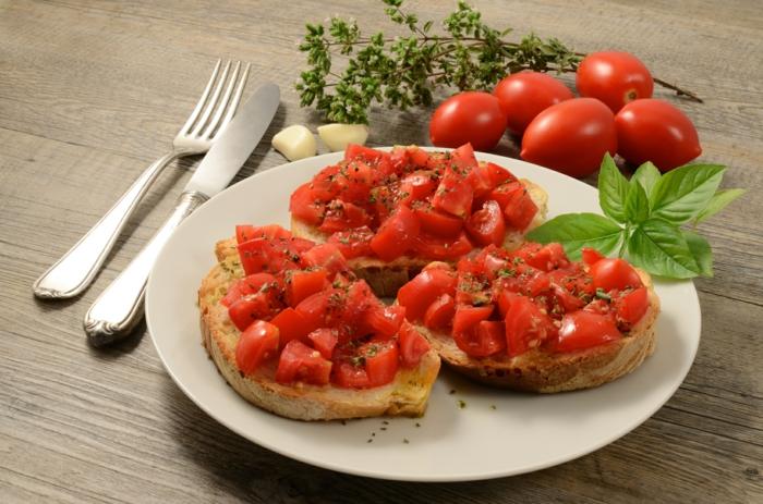 Bruschetta mit Tomaten tymian
