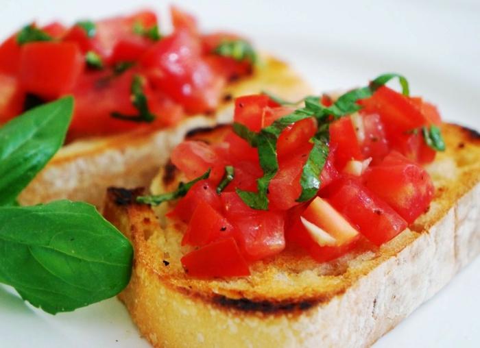 Bruschetta mit Tomaten zutaten mozzarela rukolla