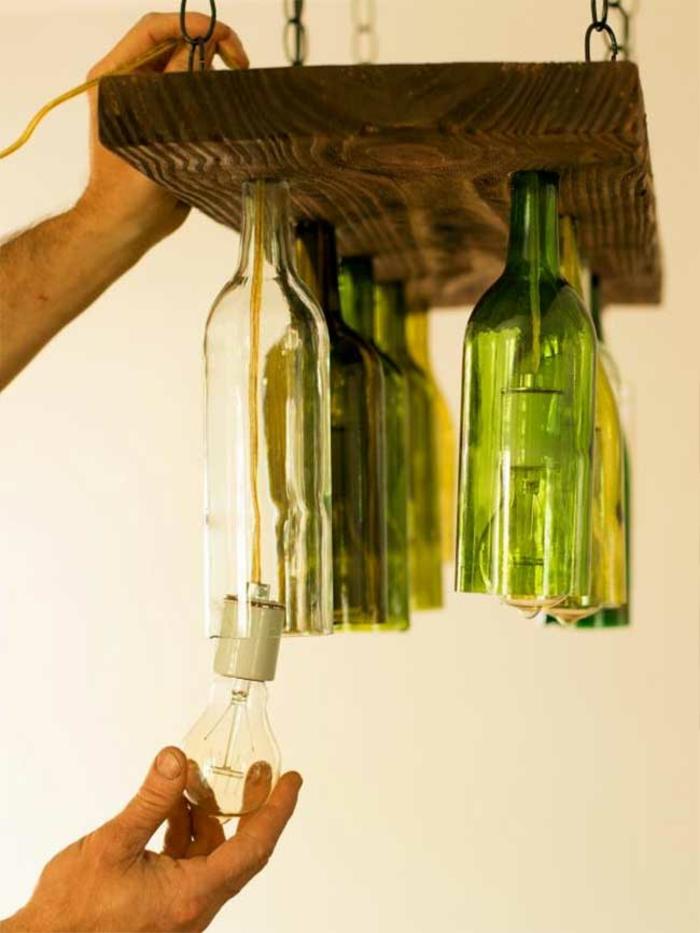 DIY Deko mit glasflaschen kronleuchter mit weinfleschen selber machen