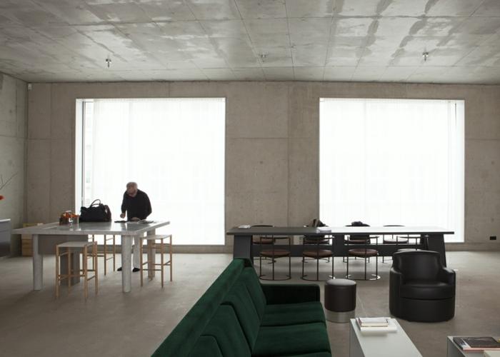 David Chipperfield's apartment loft wohnung berlin industrial möbel offener wohnraum