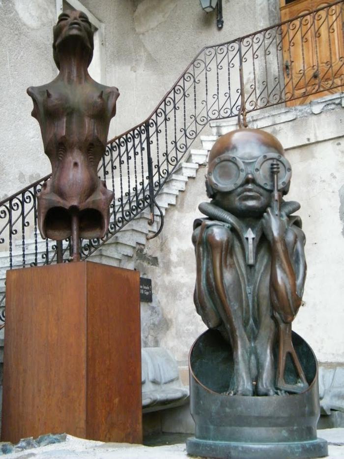 Giger Museum alien fragment bekannte figuren