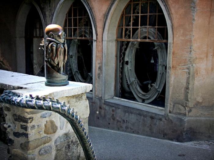 Giger Museum alien fragment hof