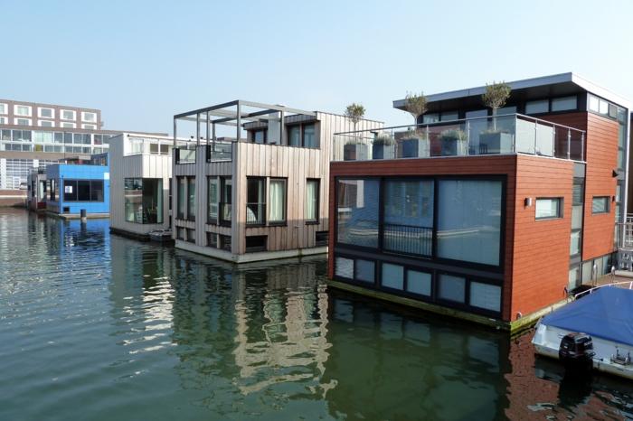 Haus boot Dubai
