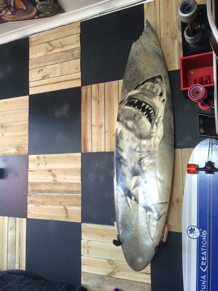 Jarryn Dower Art&Design alte surfbrette als wanddeko