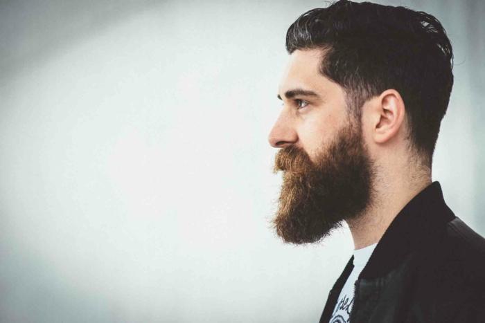 Männer mit Bart modern