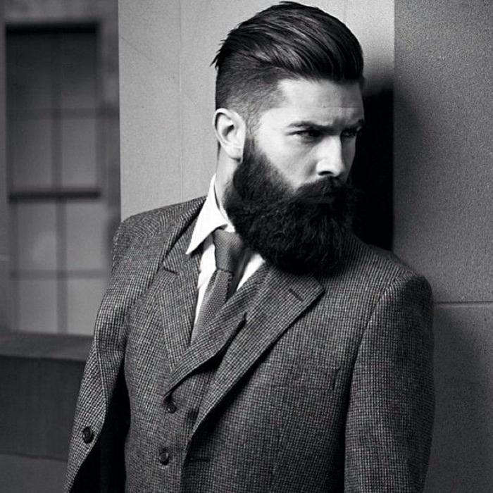 Männer mit Bart stilisch