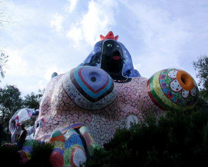 Niki de saint Phalle die  stadt