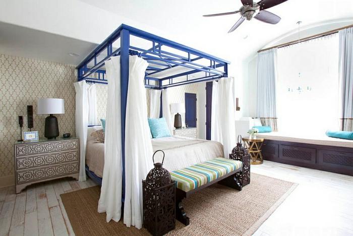 Schlafzimmer Design weiß blau laterne