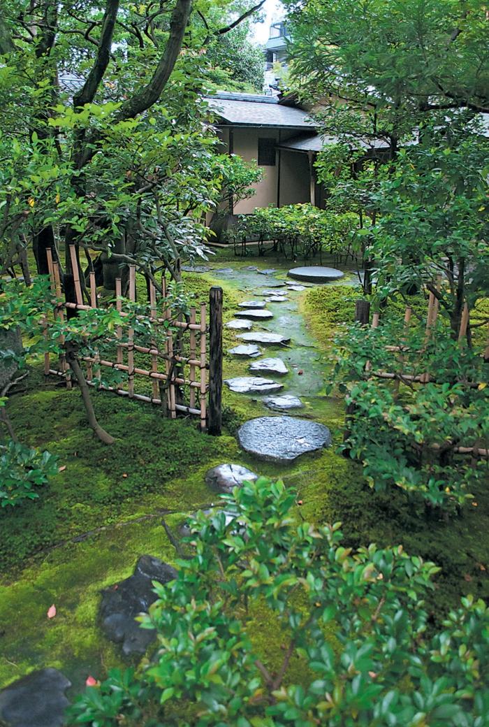 Steinfiguren für den Garten asia gehweg