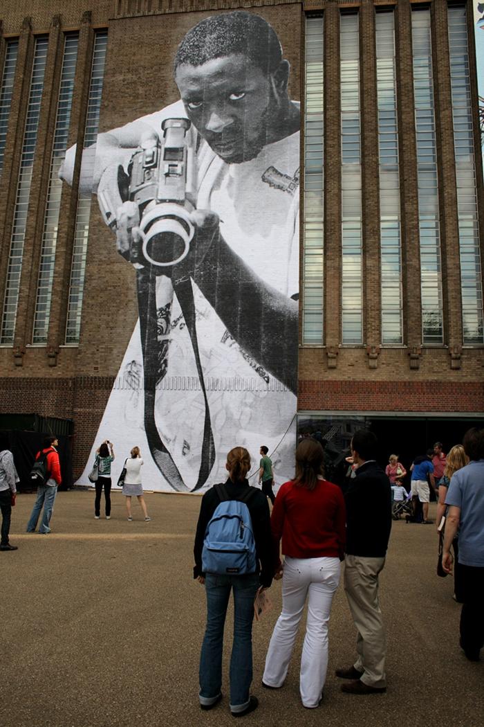Street art Künstler JR provokativ