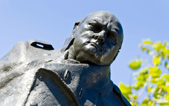 Winston Churchill statue promi news