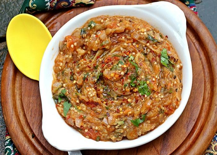 aubergine zubereiten Baingan Bharta indien