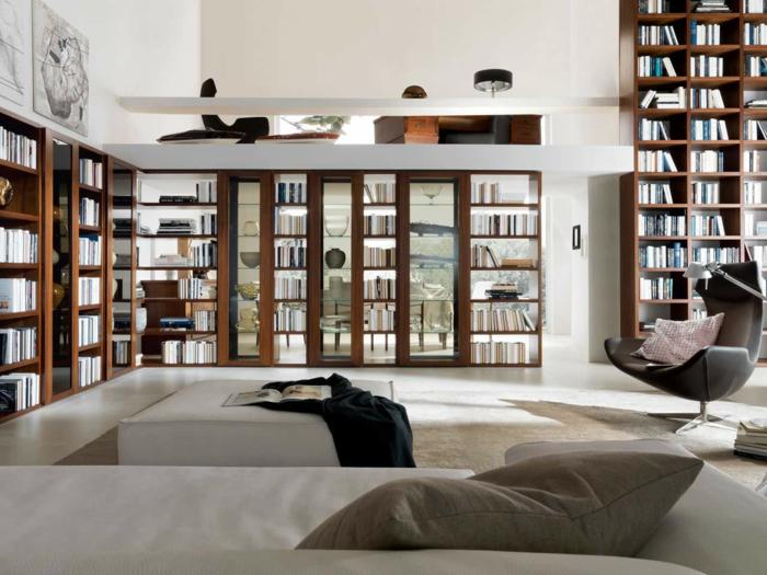bücherregale wohnzimmer einrichten dekorieren elegantes sofa