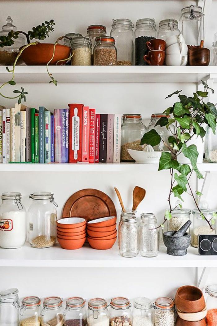 bücherregale küche weiß schlicht geschirr pflanzen