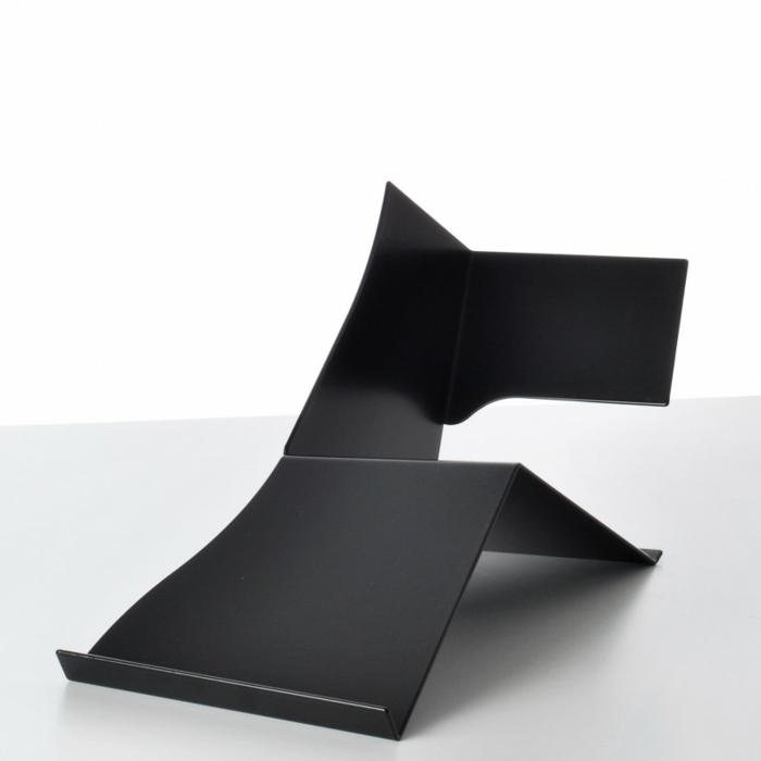 büroaccessoires schreibtisch accessoires von pa design bücherregal schwarz