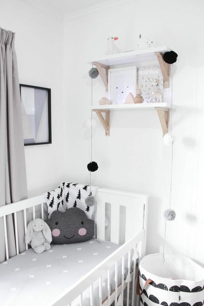babyzimmer set babybett matratze bettwäsche muster