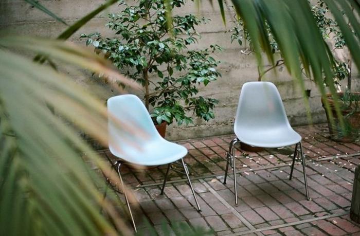 charles ray eames haus gartengestaltung gartenmöbel eames chairs