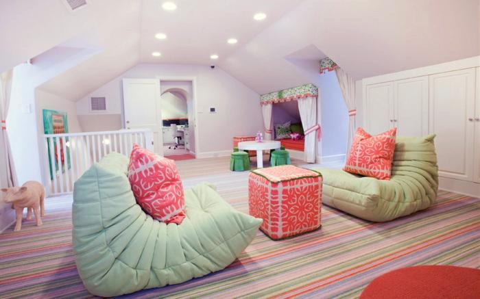 coole möbel grüner sessel streifenteppich