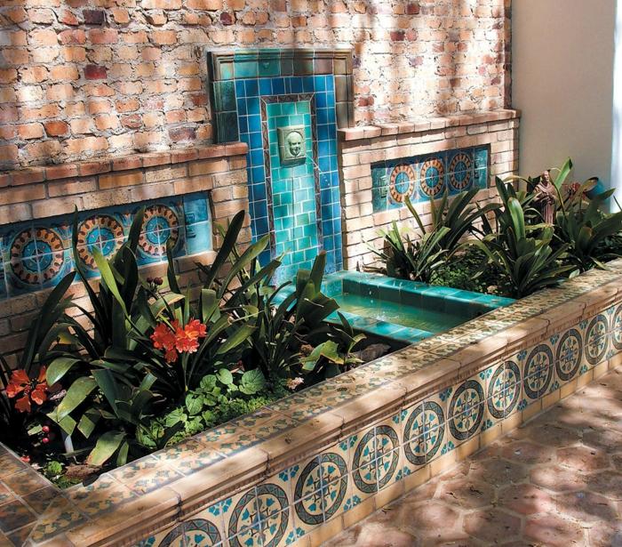 den garten verschönern gartenbrunnen wandbrunnen pflanzen