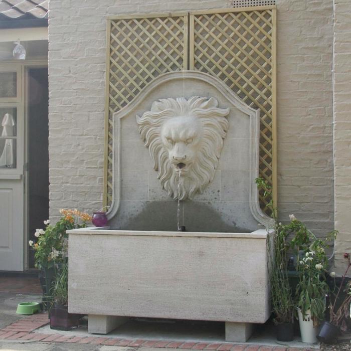 den garten verschönern wandbrunnen praktisches design
