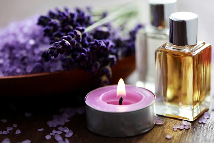 duftöle kaufen lavendel lila kerze aromas
