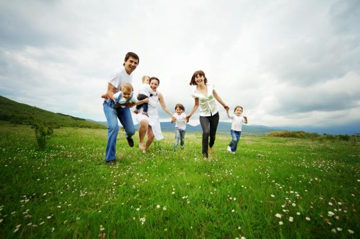 effektiv abnehmen familie sich amüsieren spazieren gehen