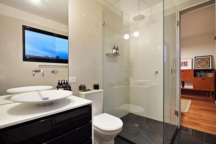 einrichtungstipp industrial style möbel badezimmer bodengleiche dusche glas