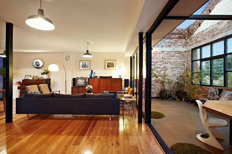 wohnzimmer retro style:Die Terrasse auf der 3. Etage ist etwas kleiner als diese darunter