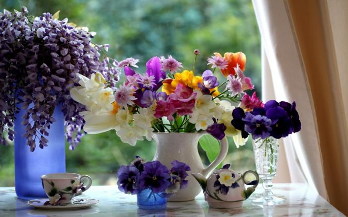 fensterdeko frühlingsblumen fresien blauregen innenseite