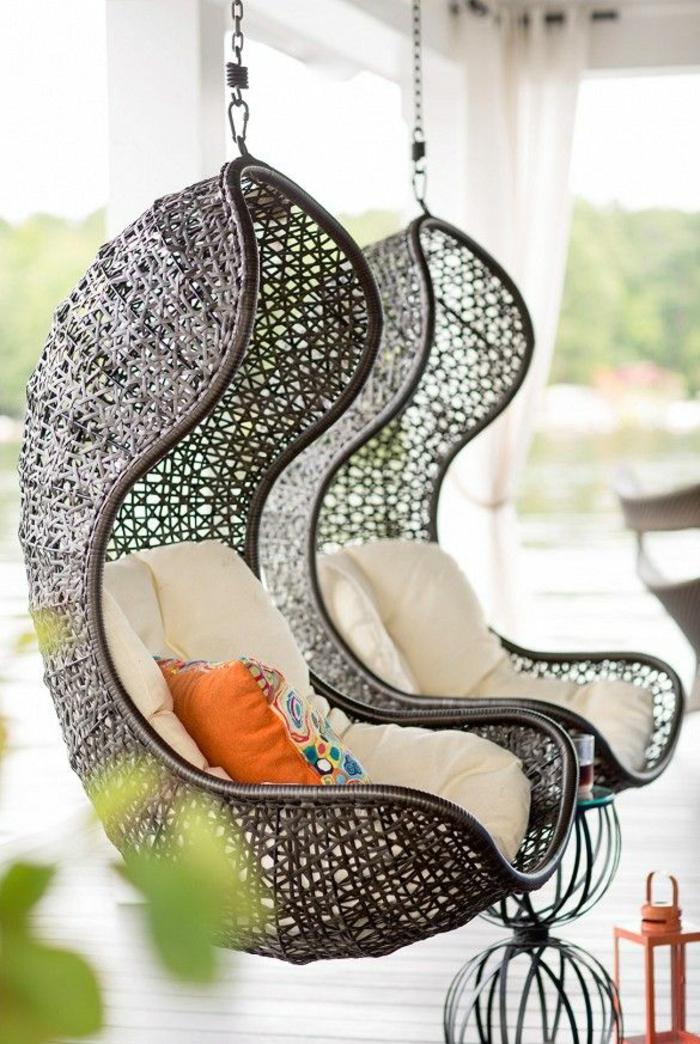 garten lounge möbel hängekorbsessel fellauflagen holzveranda gestalten