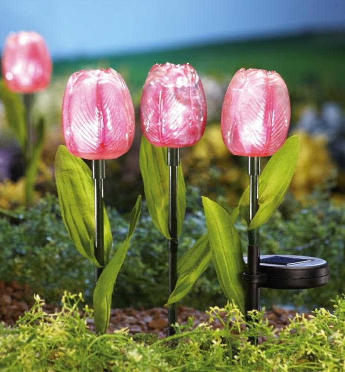 gartendekorationen garten verschönern blumen tulpen solar
