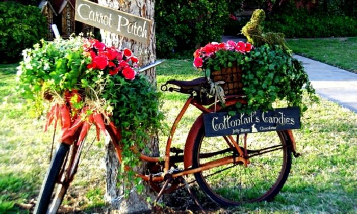 gartengestaltung altes fahrrad blumentöpfe