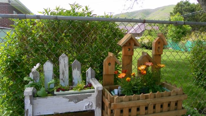 gartenideen deko garten dekoideen pflanzenbehälter