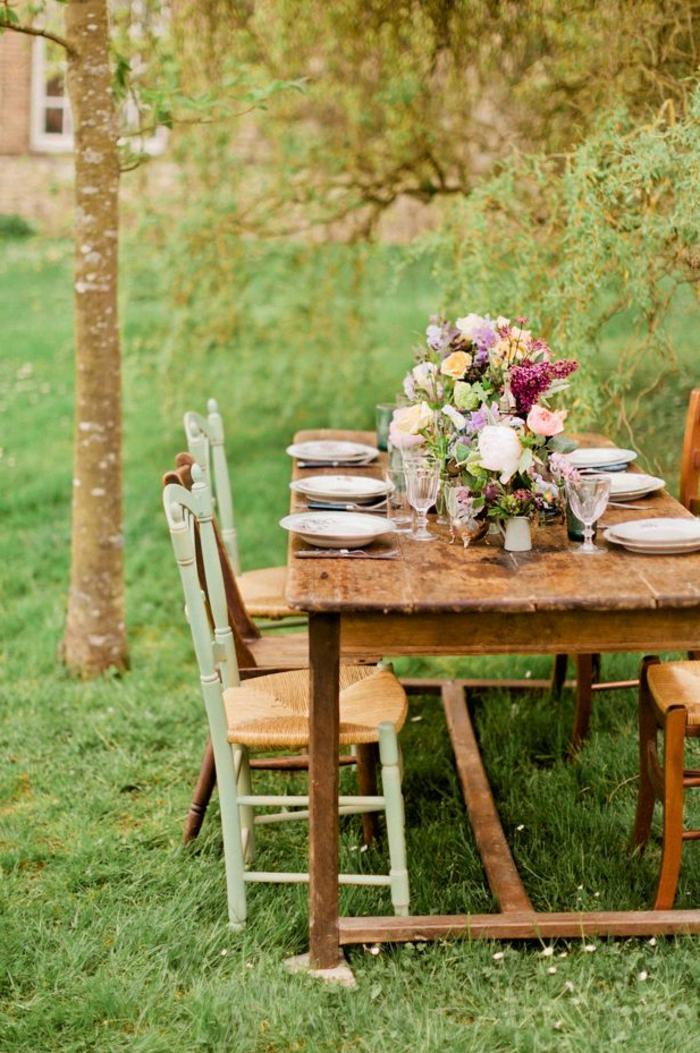 Esstisch Garten Holz ~ Gartentisch aus Holz  Klassisches Möbelstück im modernen Garten