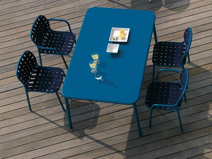 gartenmöbel-set-designer-möbel-elegantes-design-blau